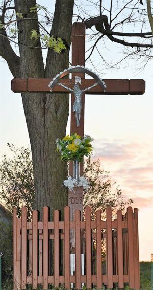 Krzyż Ul. J. Słowackiego Na Granicy Z Ryglicami