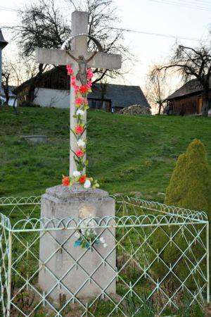 Krzyż Ul. K. Wielkiego Skręt Na  Ustronie